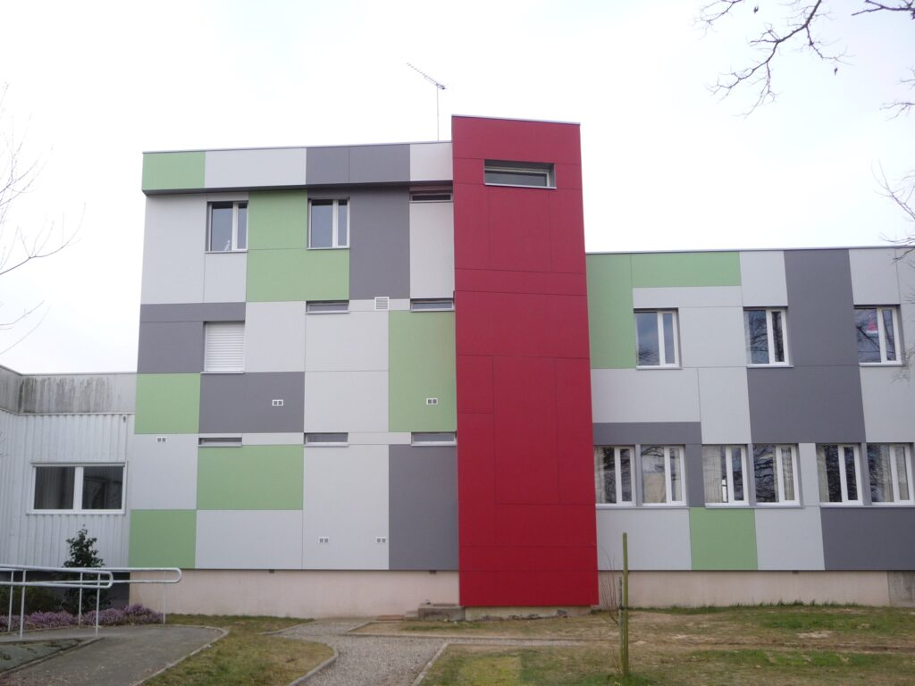 bardage-isolation-exterieur-Lycée-Agricole-laval-cruard