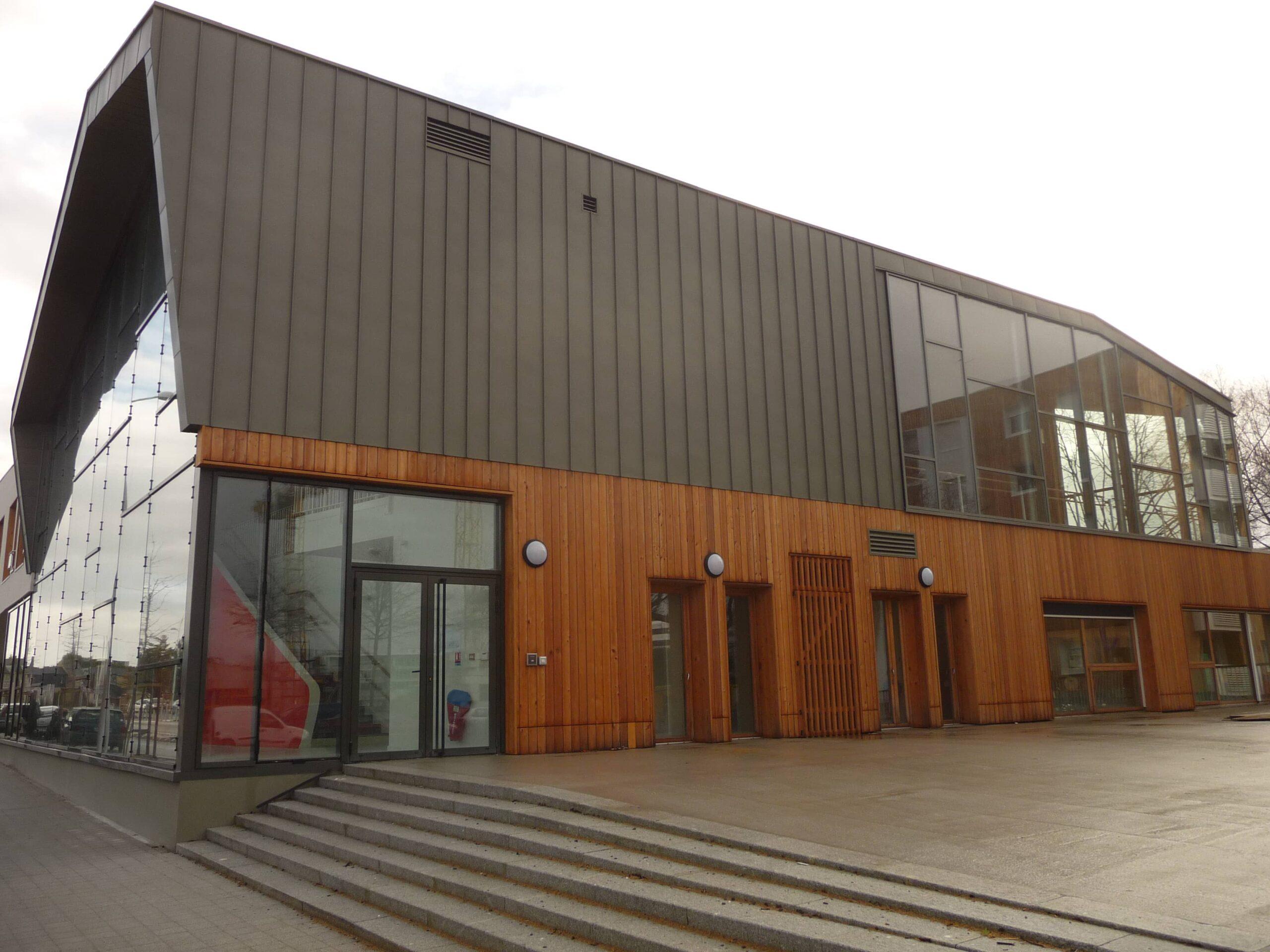 groupe-scolaire-la-chesnaie-saint-nazaire-couverture-et-bardage-zinc-cruard_5